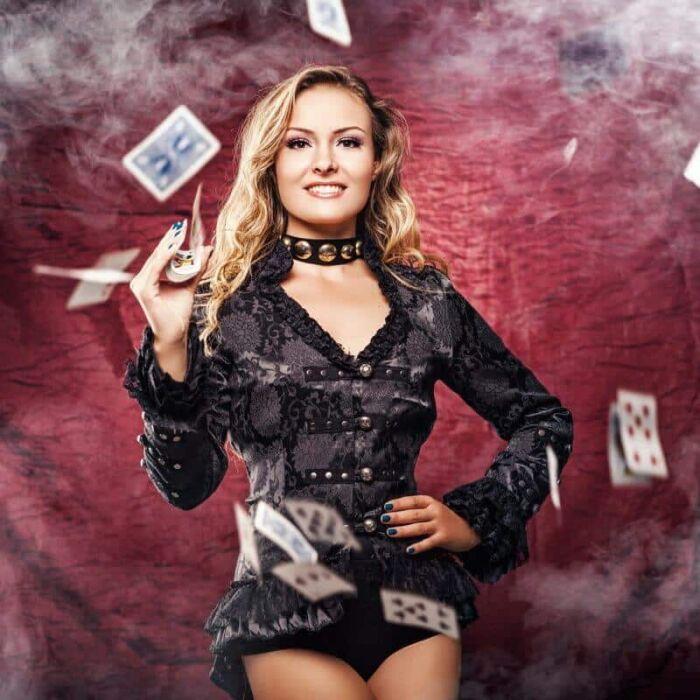 Magician Cristina Strecopitov